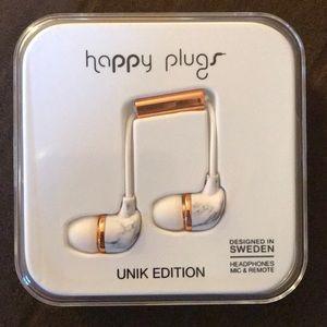NWT earphones